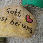 Die Steinschlange – Wir denken aneinander