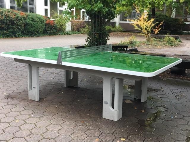 Neue Tischtennisplatten auf dem Schulhof