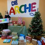 32 Weihnachtspakete für die Arche